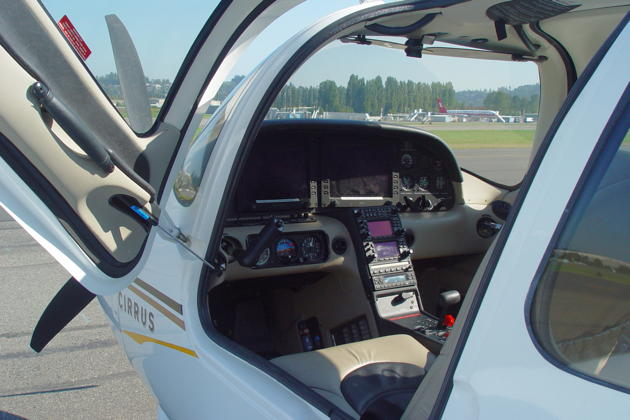 The gull-wing doors provide easy entry into the Cirrus SR-22G2 cockpit.
