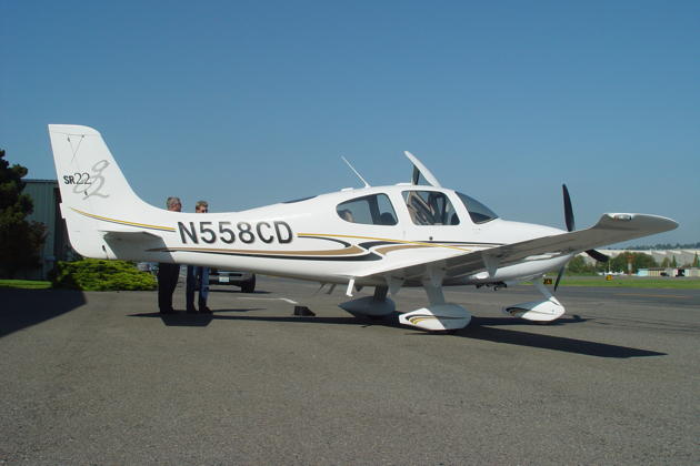 Our demo Cirrus SR-22G2 at Renton airport.