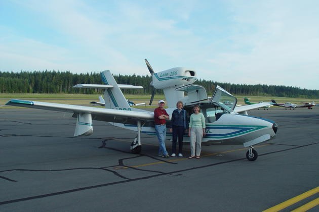 Doug, Ann and Ma looking good with the Lake 250 at the Bremerton airport.