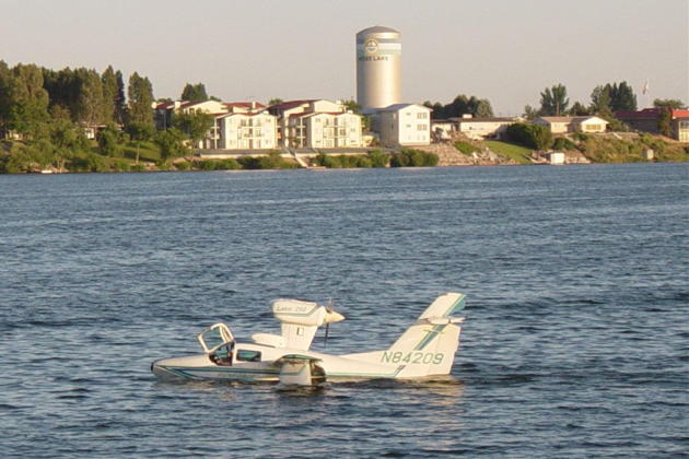 On the water at Moses Lake with the Lake 250 Renegade. Photo courtesy Doug Happe.