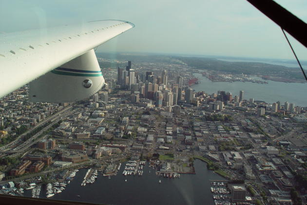 A nice view of downtown Seattle looking north to south from the Lake 250.