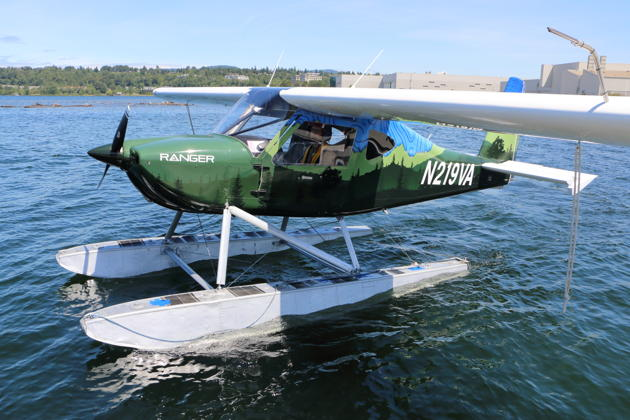 Ranger N219VR on floats in Lake Washington at the W36/Renton float dock.